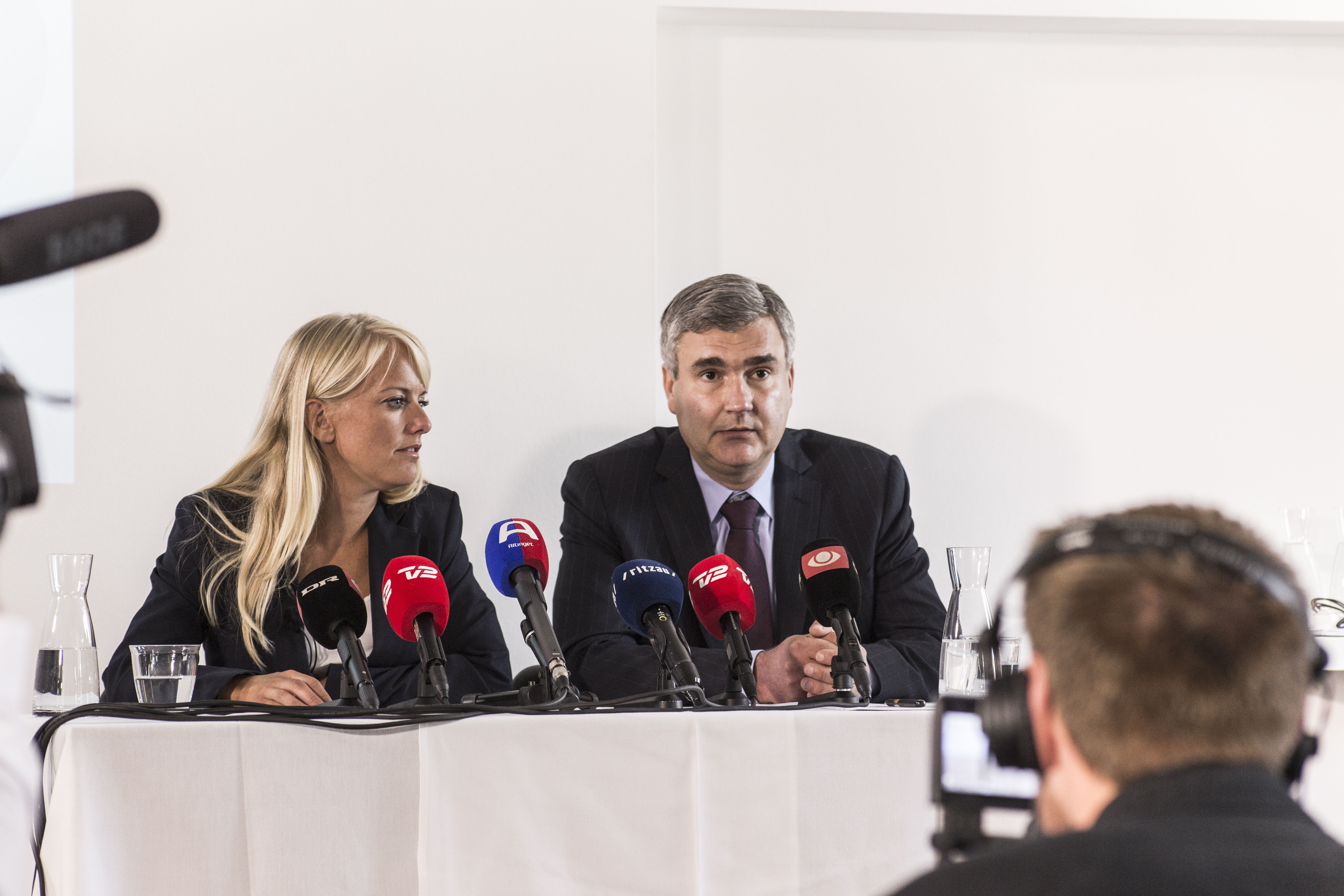 Pernille Vermund and vice chairman Peter Seier Christensen at a press conference.