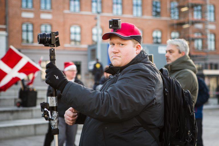 Anders Bruun Nørring ved For Frihed-demonstration i december 2016. (Foto: Redox)