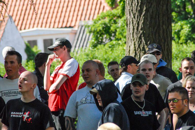 Cirka 150 deltog, da Dansk Front og miniorganisationen De National-Liberale demonstrerede i Svendborg den 10. juni 2006.