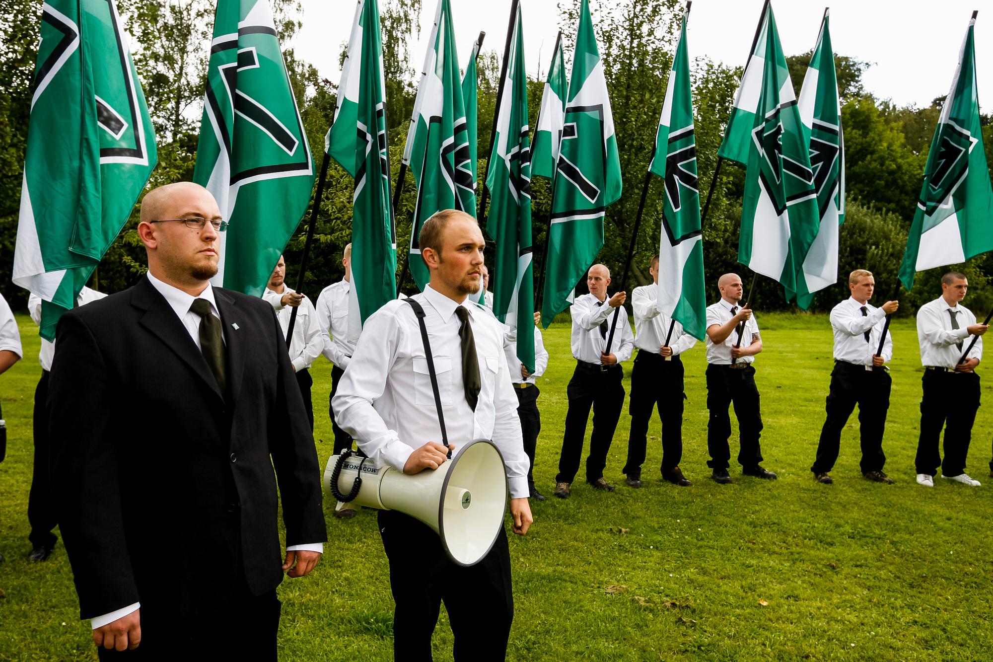 SMR-lederen Magnus Söderman ses her ved DNSB's Hess-march i Kolding i 2007. Han forlod senere organisationen til fordel for Svenskarnas Parti. Foto: Redox.