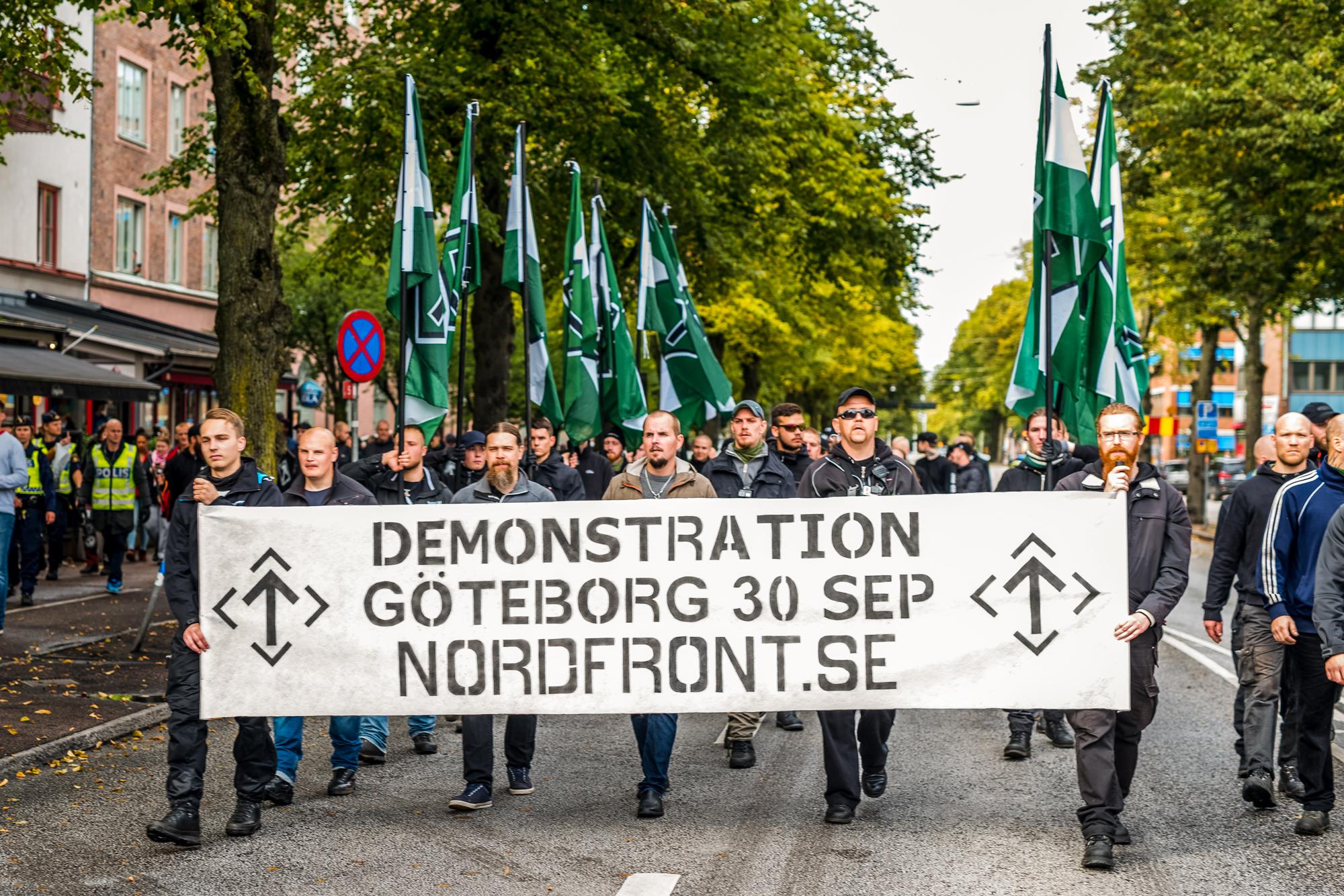 Søndag den 17. september gennemførte NMR en uannonceret og hemmelig demonstration igennem Göteborg som led i mobiliseringskampagnen mod deres march den 30. september. Foto: Jonathan Pye.