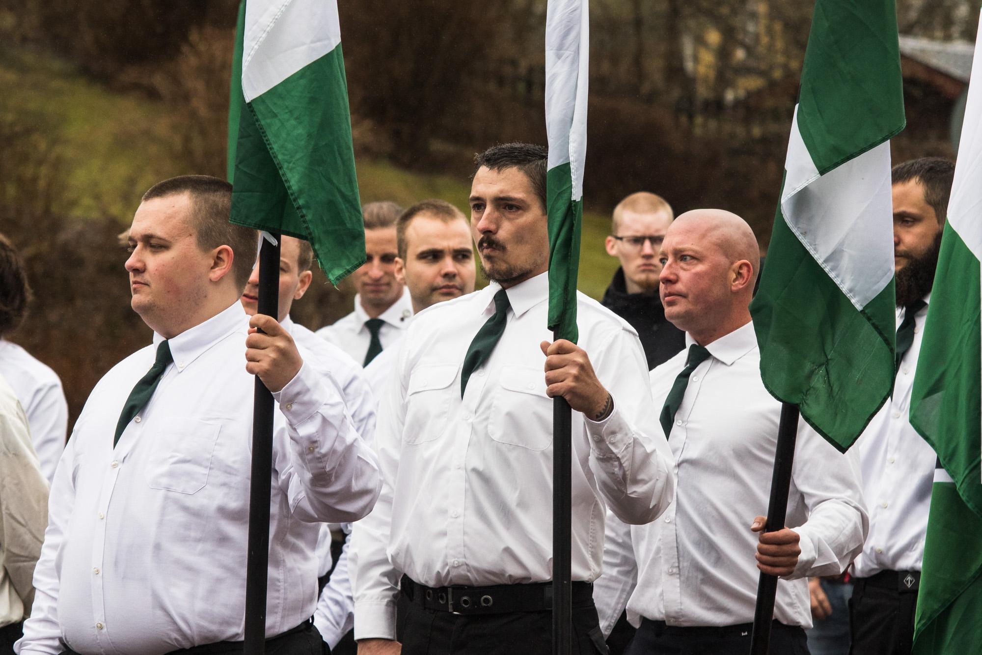 Jacob Vullum Andersen ses i midten under NMRs demonstration i den svenske by Ludvika 1. Maj 2018. Foto: Redox.