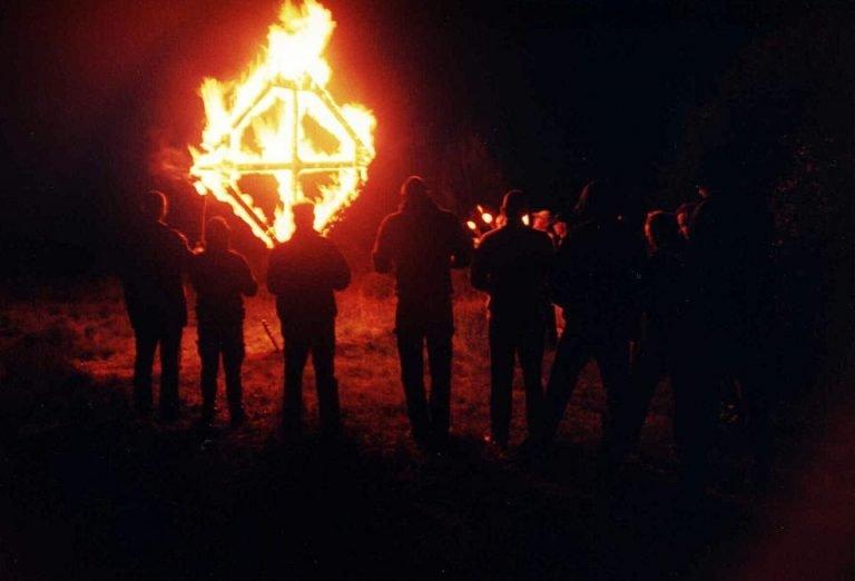 ORG afbrændte bl.a. solkors af ved deres interne arrangementer. Foto: Privat.