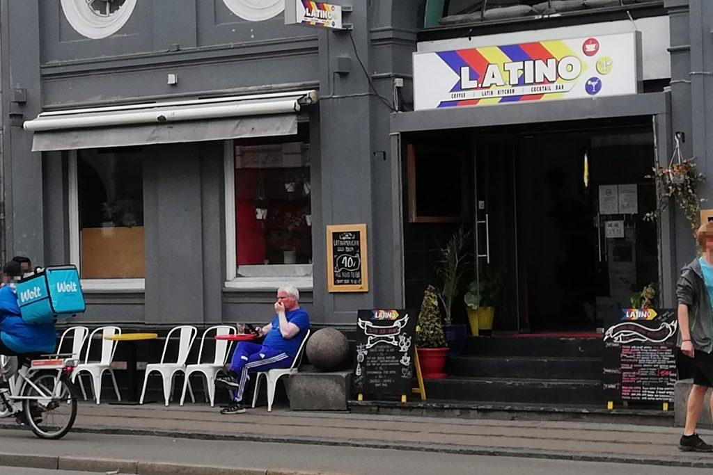 Carsten Thrane foran L.A.TINO på Nørrebrogade.