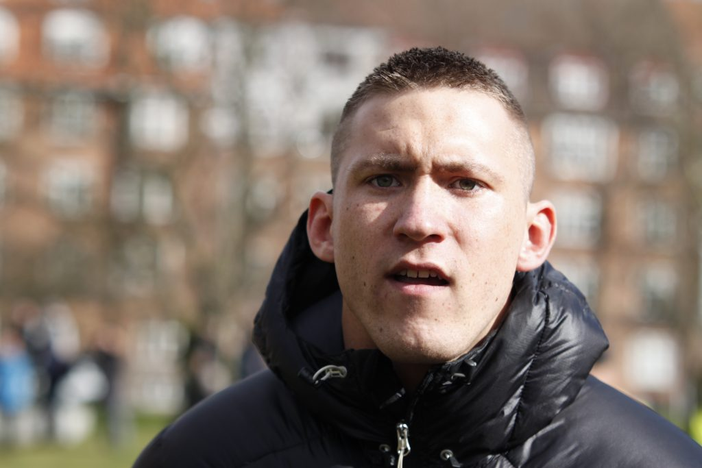 Morderen Mickey Weiergang Dreier er her fotograferet ved English Defence Leagues demonstration i Århus i marts 2012. Foto: Redox